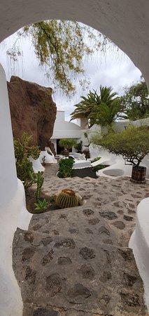 On the courtyard at Lagomar