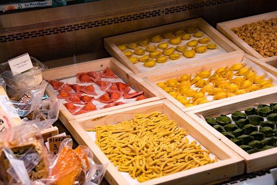 Bologna Street Food Tour: Taste like locals: Pasta making demonstration