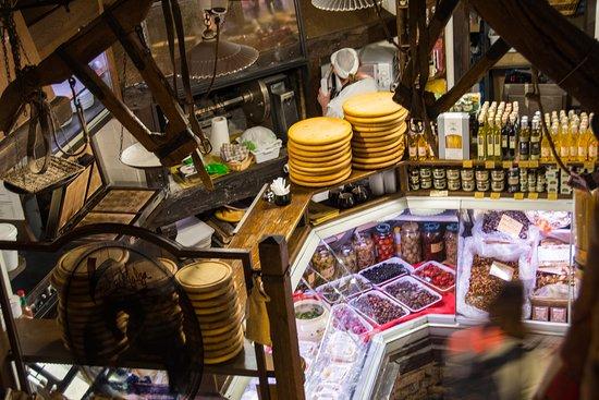 Bologna Street Food Tour: Taste like locals: Food heaven