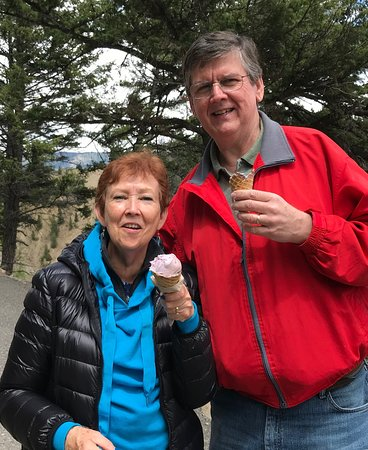 Yellowstone Custom Wildlife and Nature Tour: Our guide Dale introduced us to a local delicacy, Huckleberry ice cream.