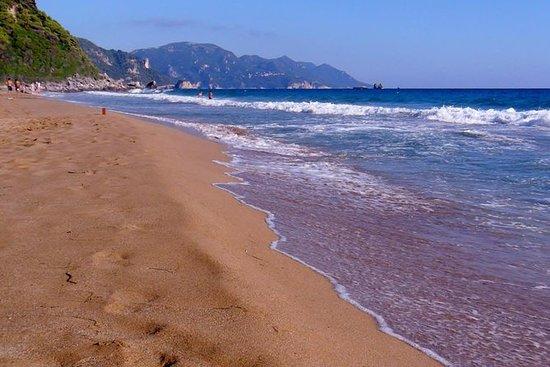 Medio día en la playa de Glyfada...