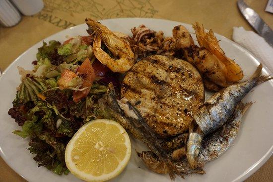 Spartakos Taverna: grigliata mista di pesce
