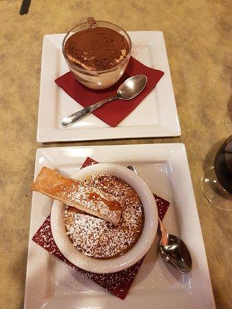 Il Brigantino: Tiramisu und Creme Caramel