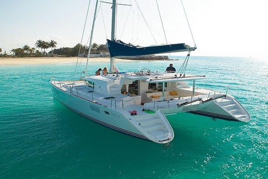 Tour to Isla Mujeres and snorkel all...