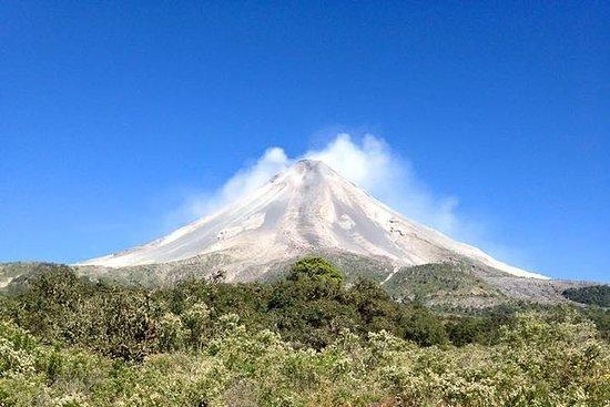 Escursione e pranzo su un vulcano