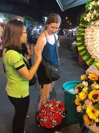 Saigon On Motorbike: flower market