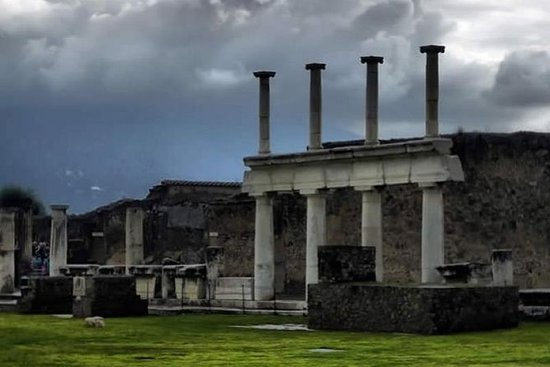 Private : Pompeii And Its Daily Life Tour