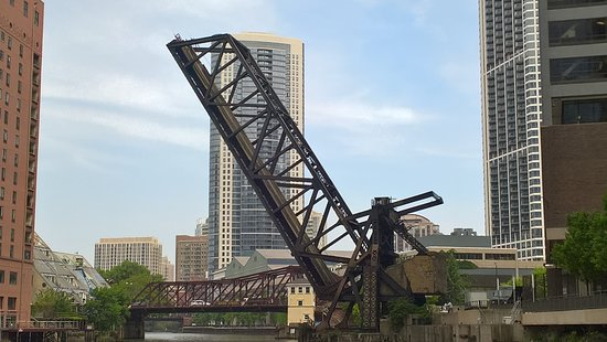 Chicago Architecture Center River Cruise aboard Chicago's First Lady: a railroad bridge kept permanently open to remind us of the counterweight needed to achieve the lift