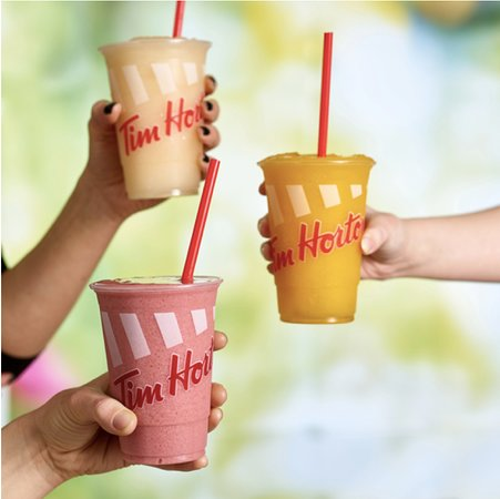 Linwood, UK: Frozen Lemonade, Mango & Passionfruit Cooler and Strawberry Banana Smoothie