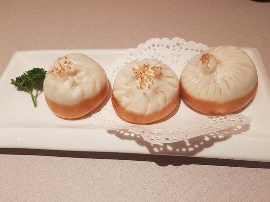 Paradise Dynasty At Wisma Atria: Panfried pork buns, Signature rainbow dumplings & sweet dumplings with black sesame filling & ground peanuts