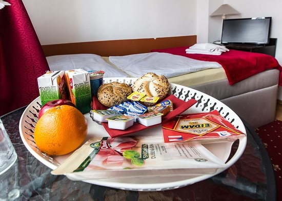 Penzion Alfa Podebrady: The breakfast served in the room