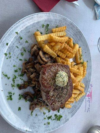 บิตเทอร์เฟลด์, เยอรมนี: Steak 250g auf geschmorten Pilzen und Pommes Frites