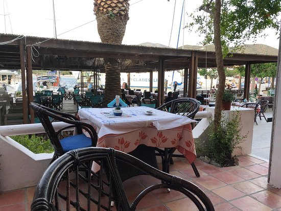 Restaurant-Cafe Mythos: Het buitenterras