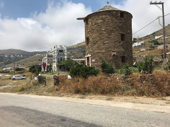 Tinos Habitart: from the House