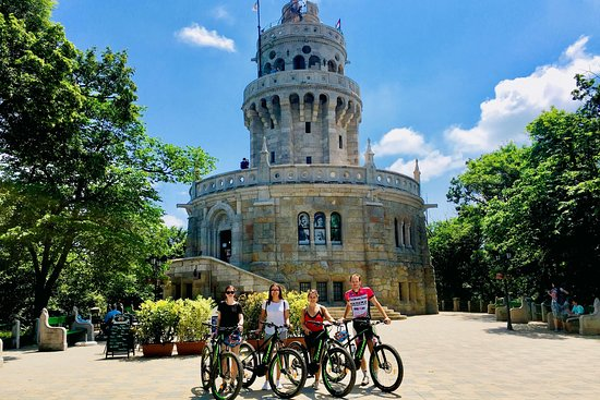 Dreamland Cycling all inclusive e-mountain bike tours in and around Budapest