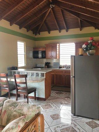 D&H Sunshine Villas: Inside, beautiful handiwork!