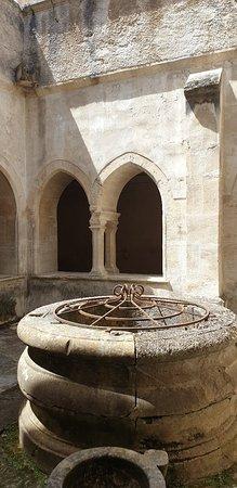Saint-Paulet-de-Caisson ภาพถ่าย