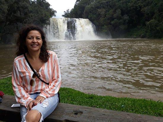 Porto Vitoria, PR: vista da cachoeira