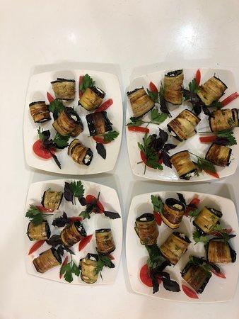 Lara Restaurant: Salad with eggplants
