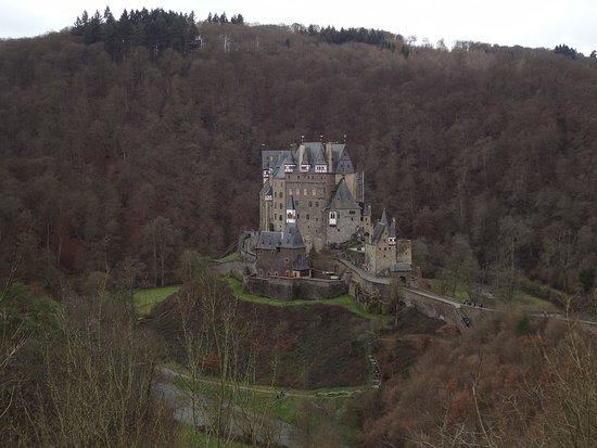 Wierschem, Nemačka: Невероятно колоритный замок!