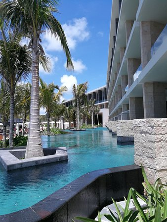 TRS Coral Hotel: Swim up rooms.