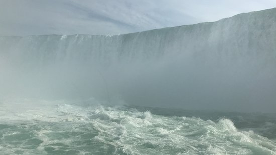 Niagara Falls, Canada: Voyage to the Falls Boat Tour in Canada: Horseshoe Falls from Hornblower