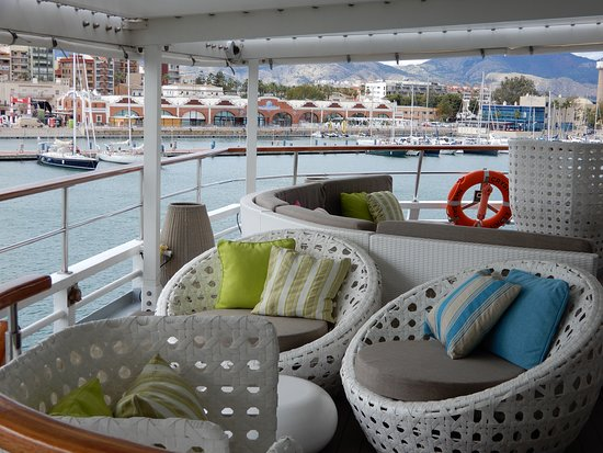 Crystal Esprit: Top deck and bar