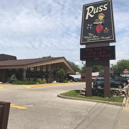 Russ' Restaurant: Front of this restaurant