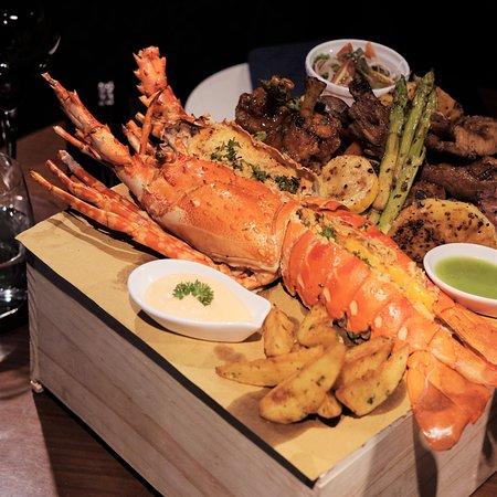 The Garlik De Tham Restaurant : Food