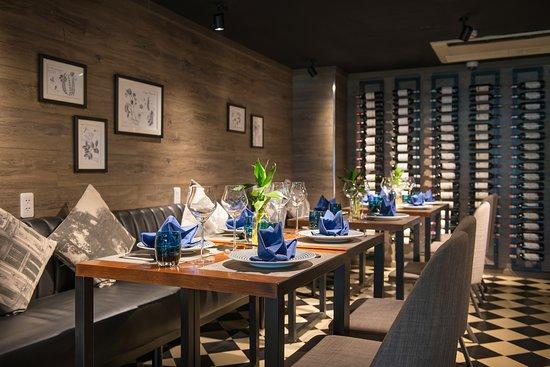 The Garlik De Tham Restaurant : Interior