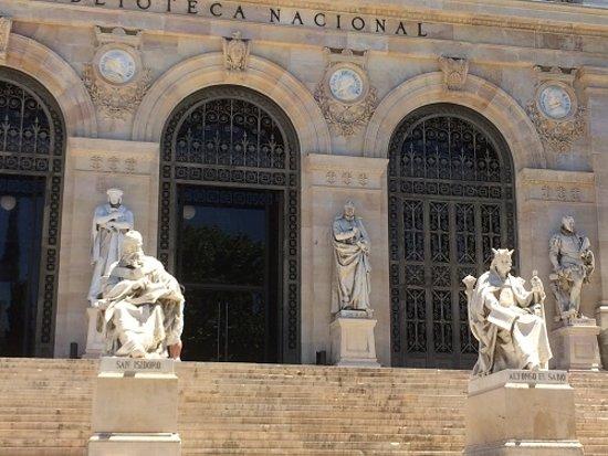 Biblioteca Nacional de España: Another View Of The Statues