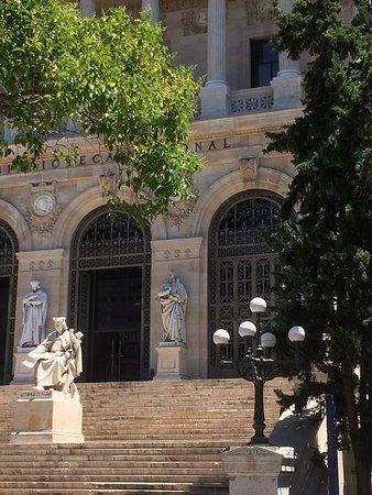 Biblioteca Nacional de España: Marble Statues