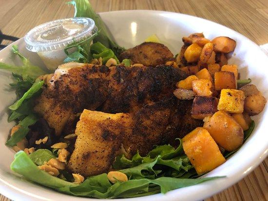 "Hooked Seafood Co: ""Fishbowl"" w/choice of fish (Tilefish here), greens, lentil salad, roasted sweet potato, cashews & tahini sauce."