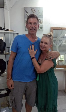 Gemstone 3 Hour Experience  - happy couple and their rings!