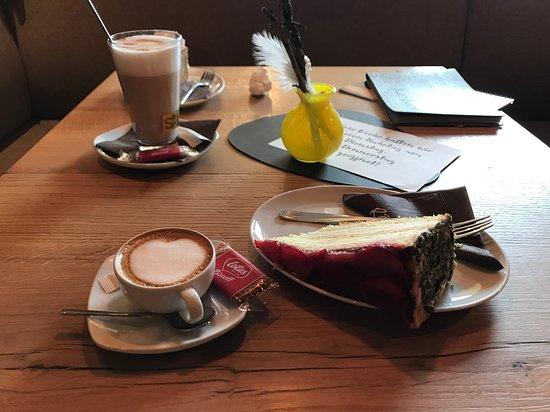 Rösslwirt: Coffee and cake