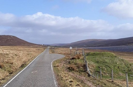 Whiteness, UK: Single-track road at Stromfirth