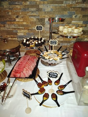 Desserts and fruit