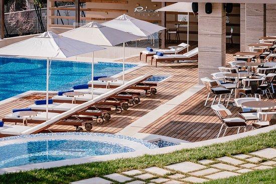 Ikador Luxury Boutique Hotel & Spa: Riva Lounge pool bar