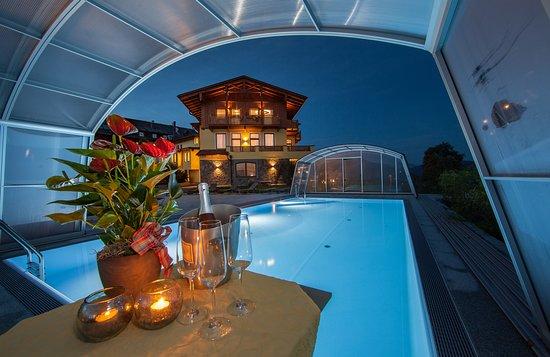 Panorama-Gasthof-Pension Leidingerhof: Outdoor Pool mit gigantischer Panorama Aussicht