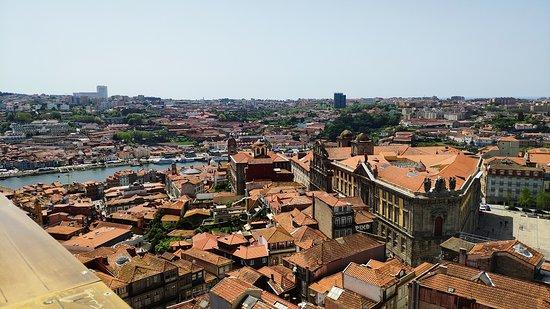 Vista del exterior desde el alto de la torre