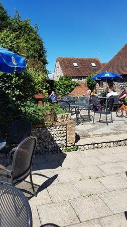 Linda's lovely beer garden in the Sunshine!!