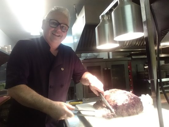 Chef Billy carving the prime rib New Years Eve 2018