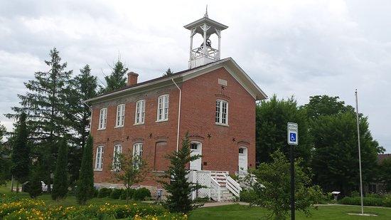 1876 Coralville Schoolhouse