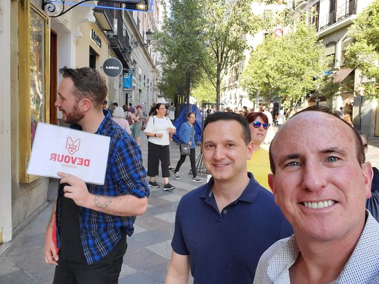 Authentic Spanish Wine Tasting and Tapas Tour in Madrid: Jake our tour guide