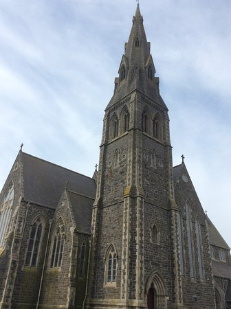 Tramore, Ierland: Church exterior