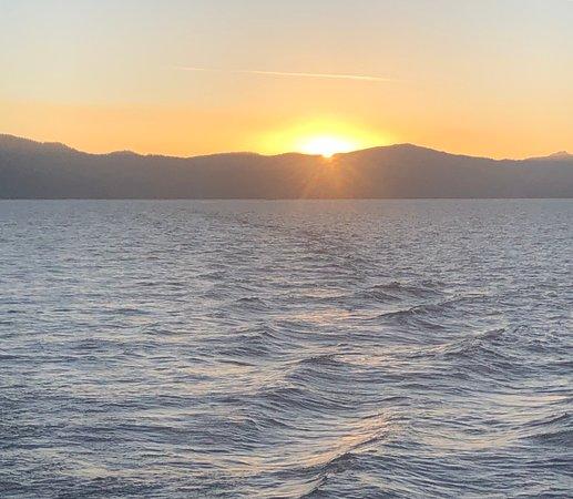 Tahoe Cruises: Sunset on the lake