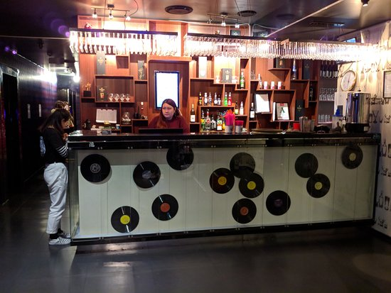 Po Karaoke Bar