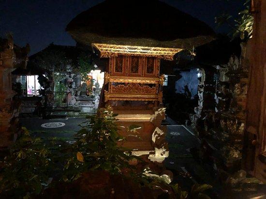 Hujan Locale照片