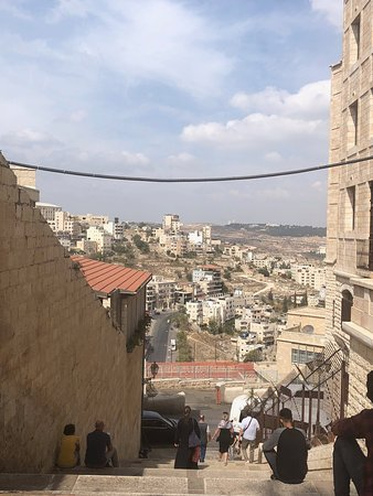 パレスチナ自治区の中にあることは知りませんでした。