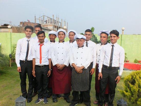 Narayani Zone, Nepal: waitres